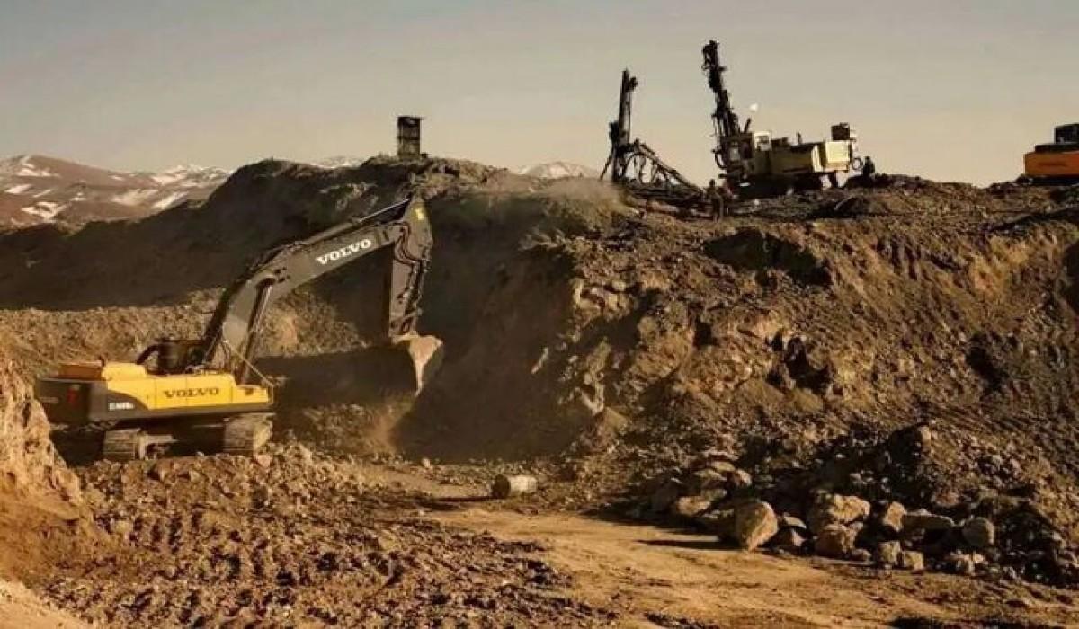 سالانه بیش از ۲۵۰۰ تن مواد معدنی از معادن خوی استخراج می شود