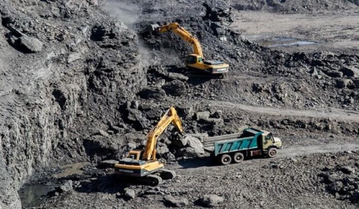 واحد معدنی سنگ مرمریت تعطیل شده در فسا با دریافت تسهیلات حمایتی فعال شد